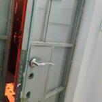 Замена ручек на метало-стеклянной двери