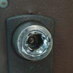 Ключ заклинил и обломался
