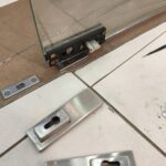 Поменяли цилиндр в стеклянной двери
